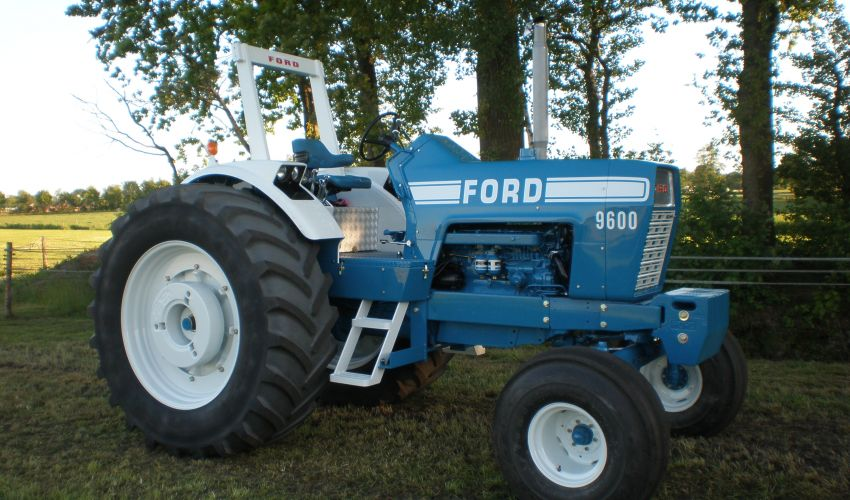 Ford 9600 Tractor : Ford specs and data