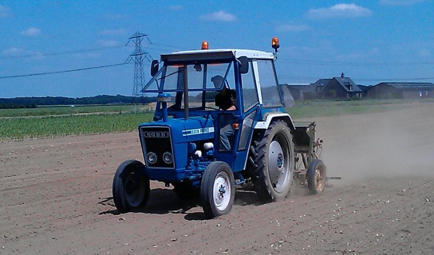 2600 Ford Tractor Specifications : Ford specs och data