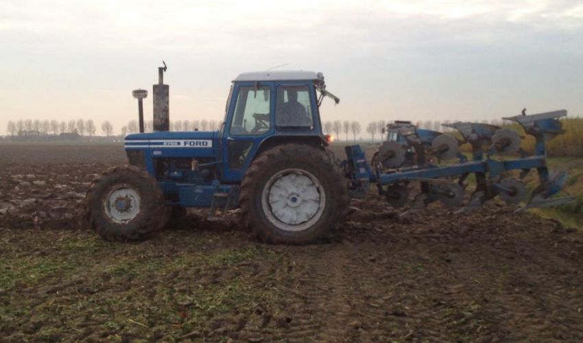 Ford 8700 Tractor : Ford tractor specs
