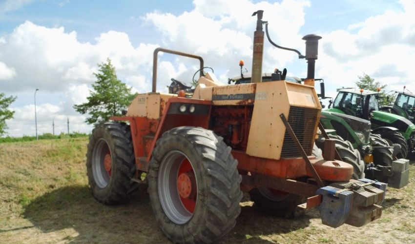 Case Traction King 1470