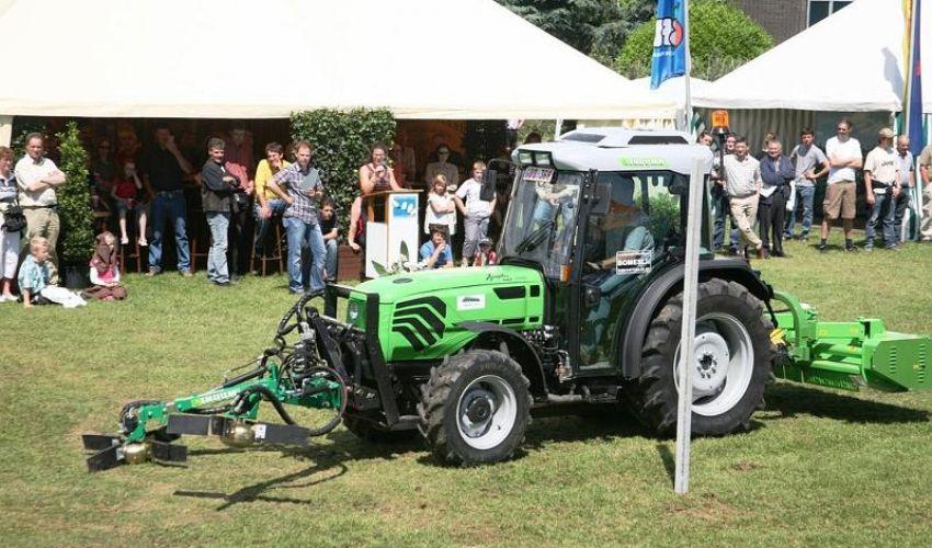 Deutz-Fahr Agrocompact F100