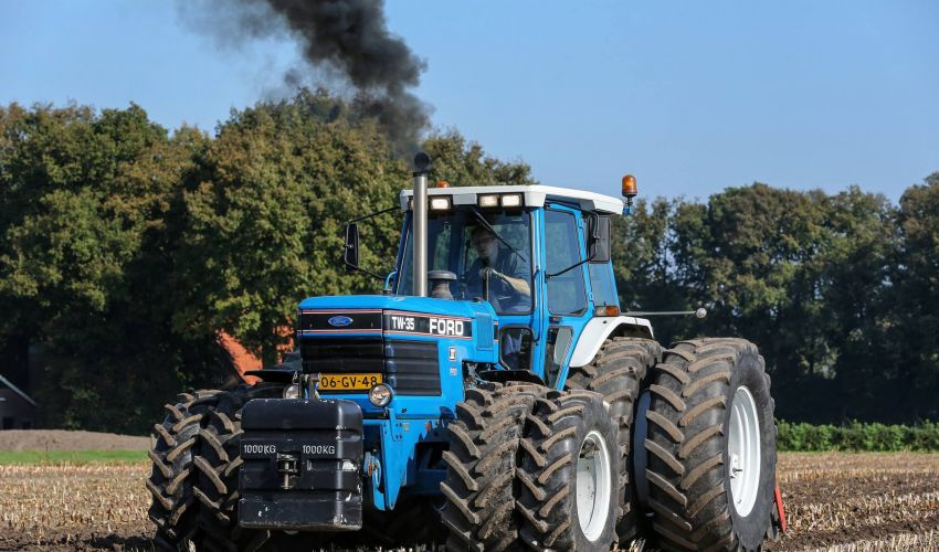 Ford Tw 35 Tractor Parts : Ford tw specs and data united kingdom