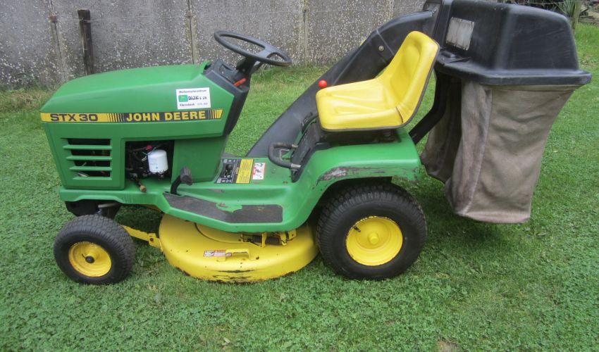 John Deere STX 30