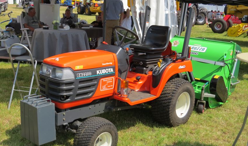 Kubota Bx Tractor Cover : Kubota bx specs and data united kingdom