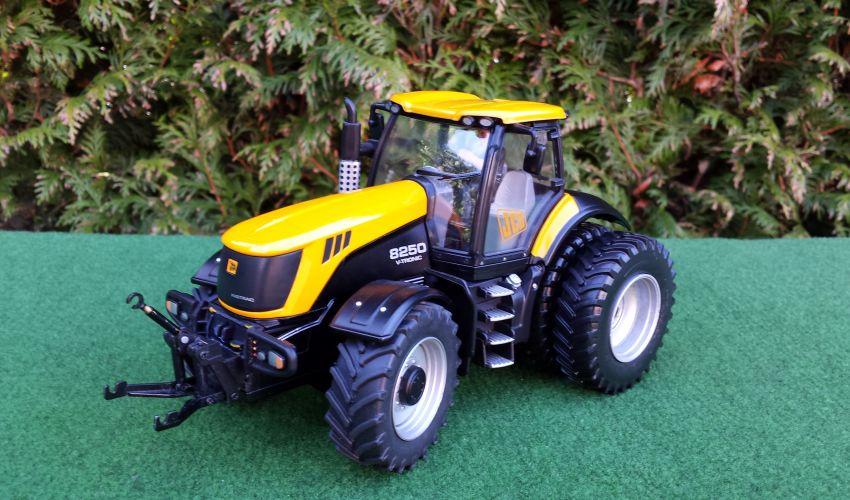 Landbouw miniaturen 1:32 JCB
