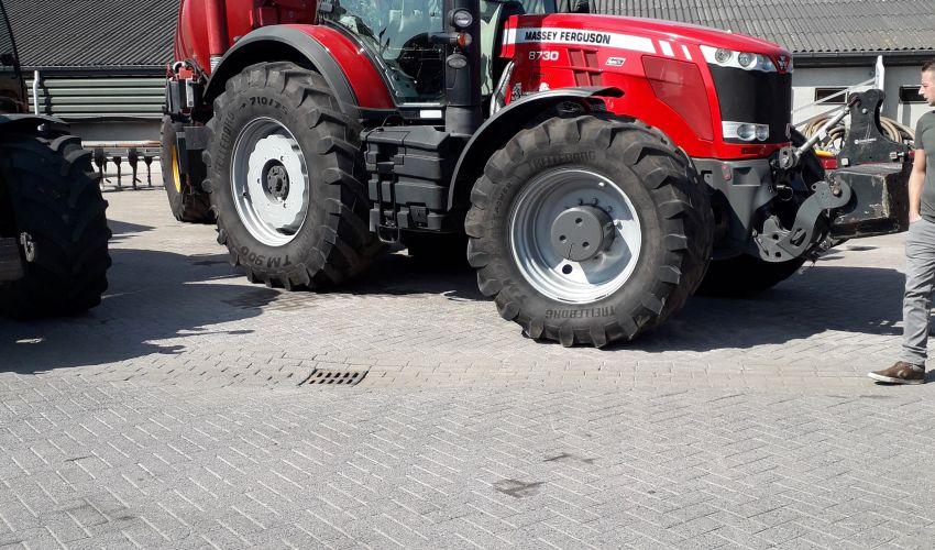 Massey Ferguson 8780