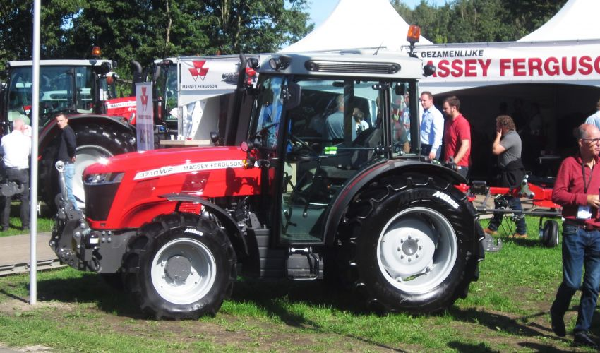 Massey Ferguson 3710