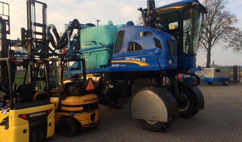 New Holland Braud 9090X