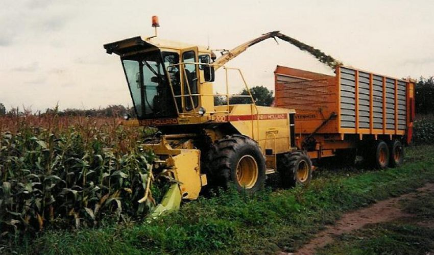 New Holland S 2200