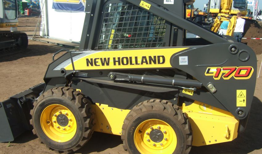 New Holland L 170