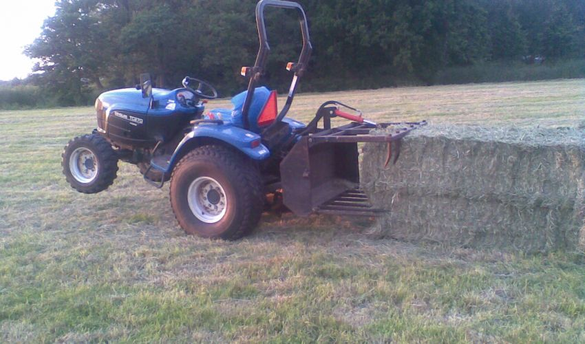 New Holland TC 210