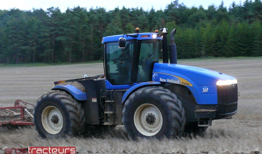 New Holland T 9050