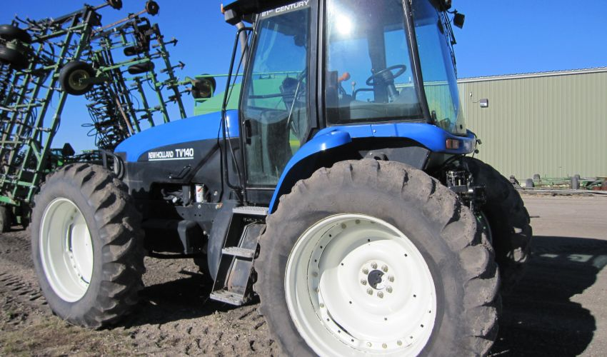 New Holland TV 140