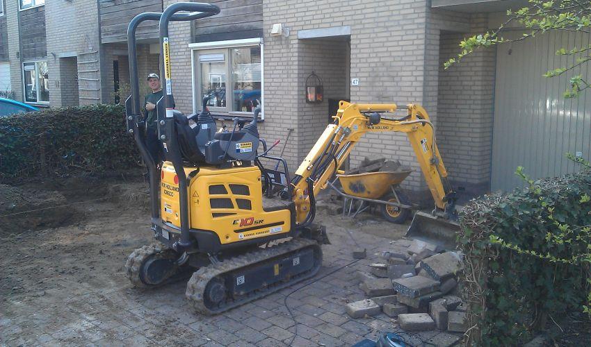 New Holland E10SR