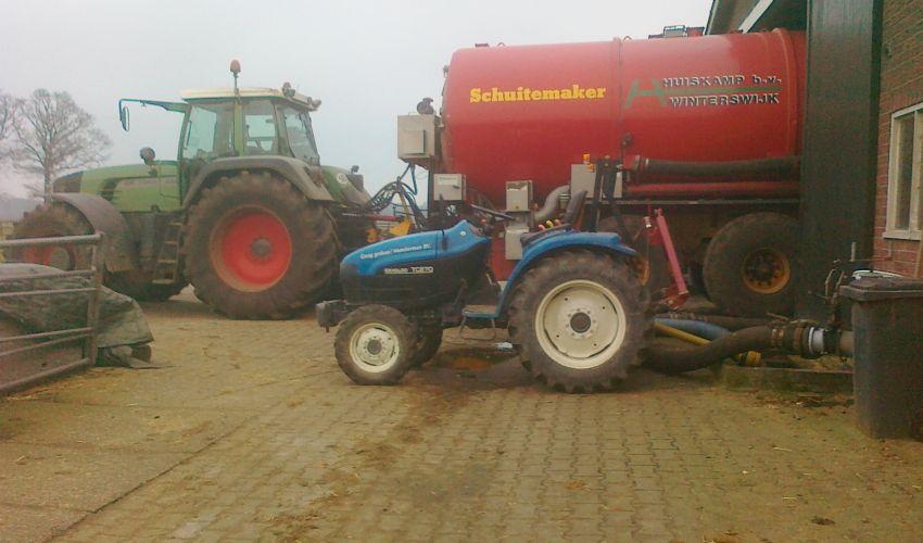 New Holland TC27D