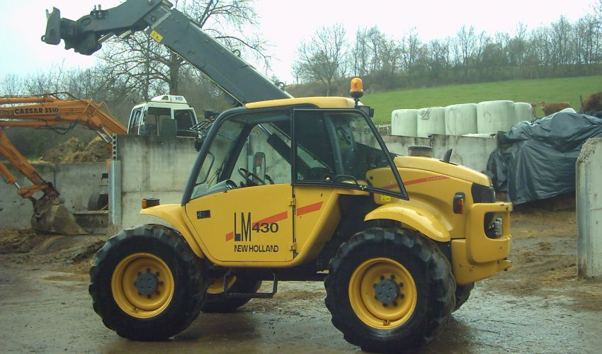 New Holland LM 4320
