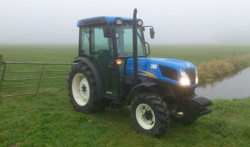 New Holland T 4030V