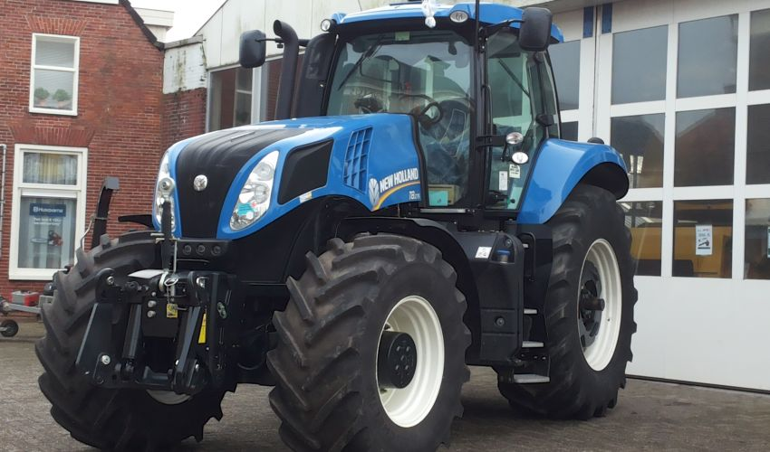 New Holland T 8.275