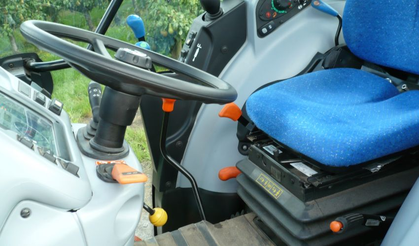 New Holland T 4050N