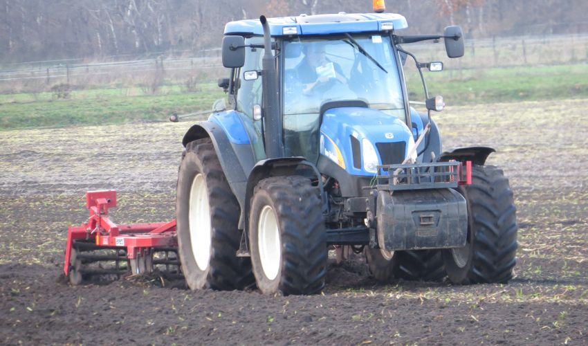 New Holland TS 115 A  Delta