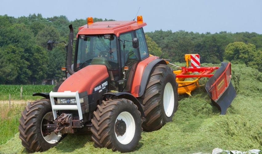New Holland M 160