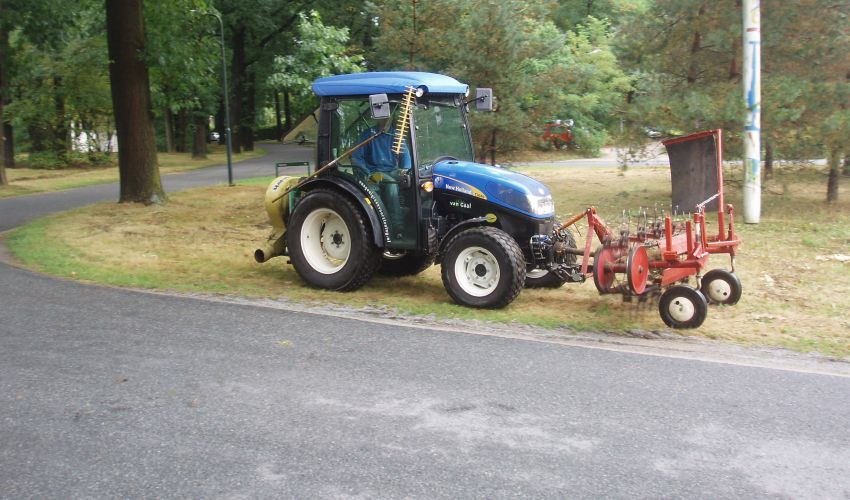 New Holland T 3040