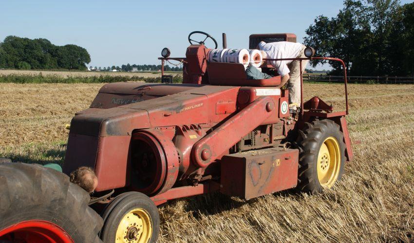 New Holland Haycruiser 1282