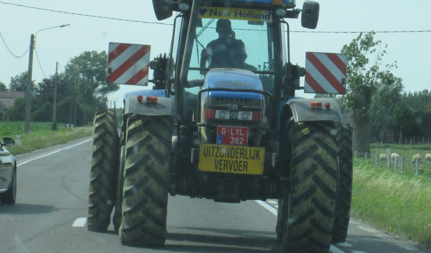 New Holland TV 145