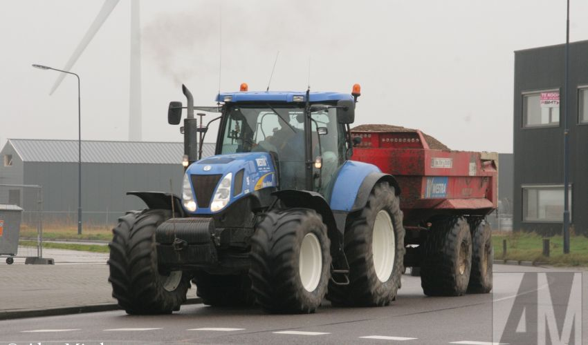 New Holland T 7000