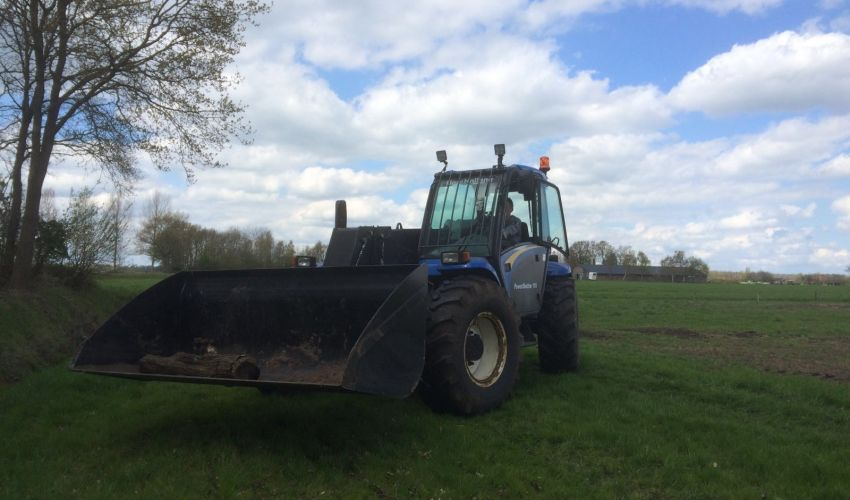New Holland LM 415A