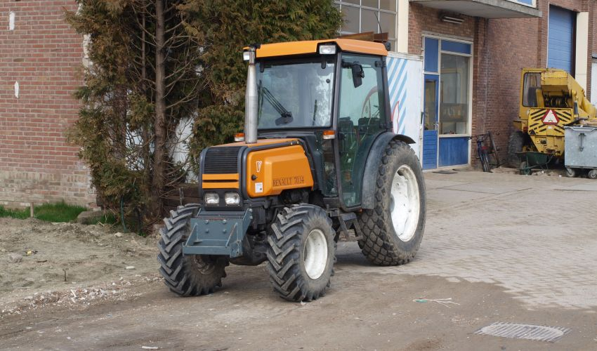 Renault 70.14