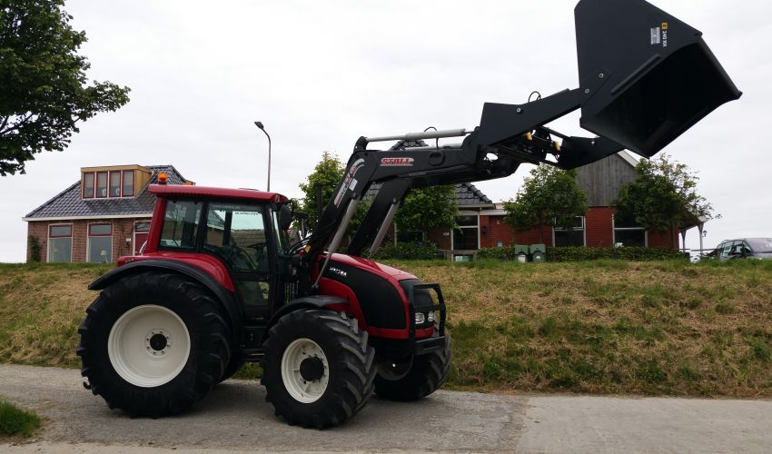 Valtra XM150