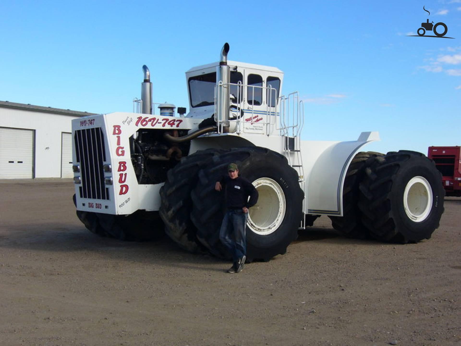 http://pictures.tractorfan.nl/groot/b/big-bud/245749-747-big-bud.jpg