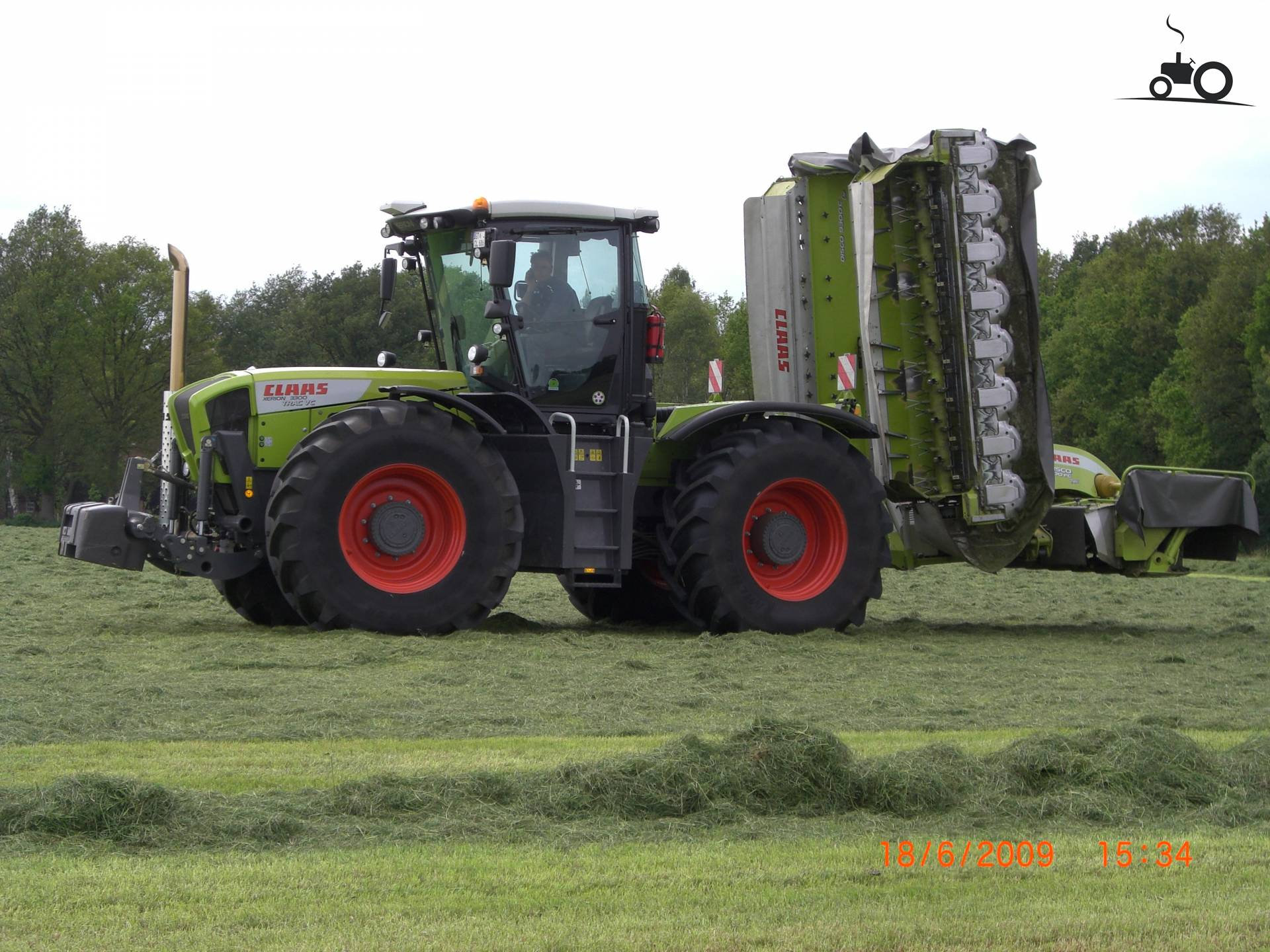 472409 xerion 3300 vc claas