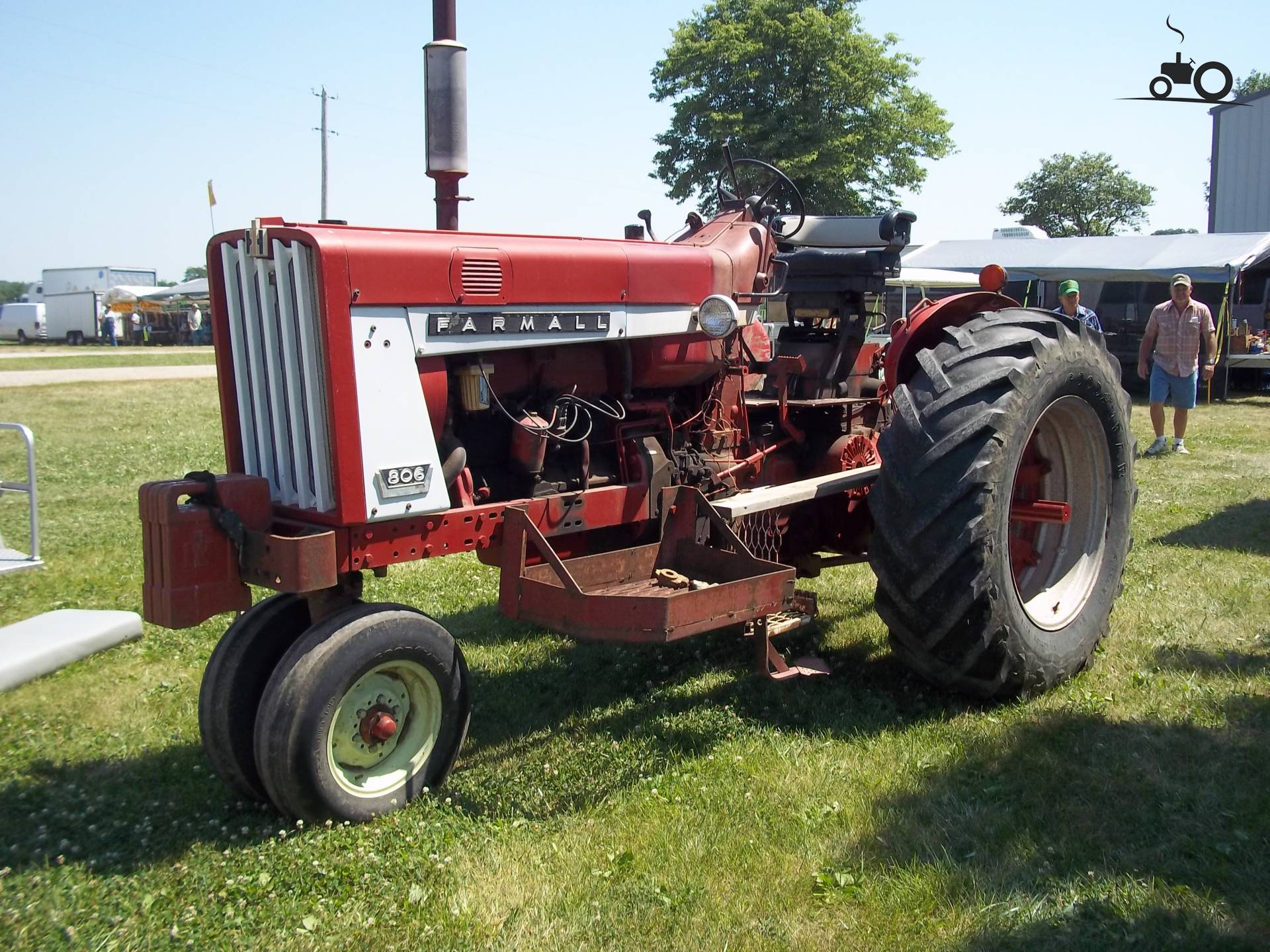 Filename 633593 806 farmall jpg