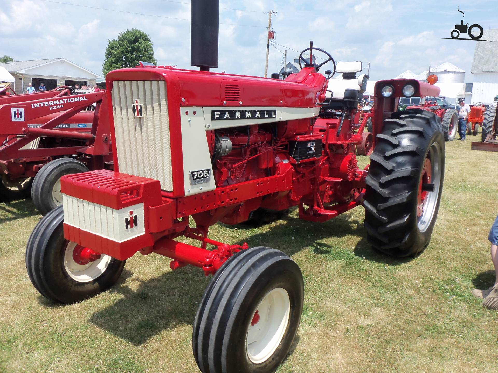 farmall 706 pictures to pin on pinterest thepinsta