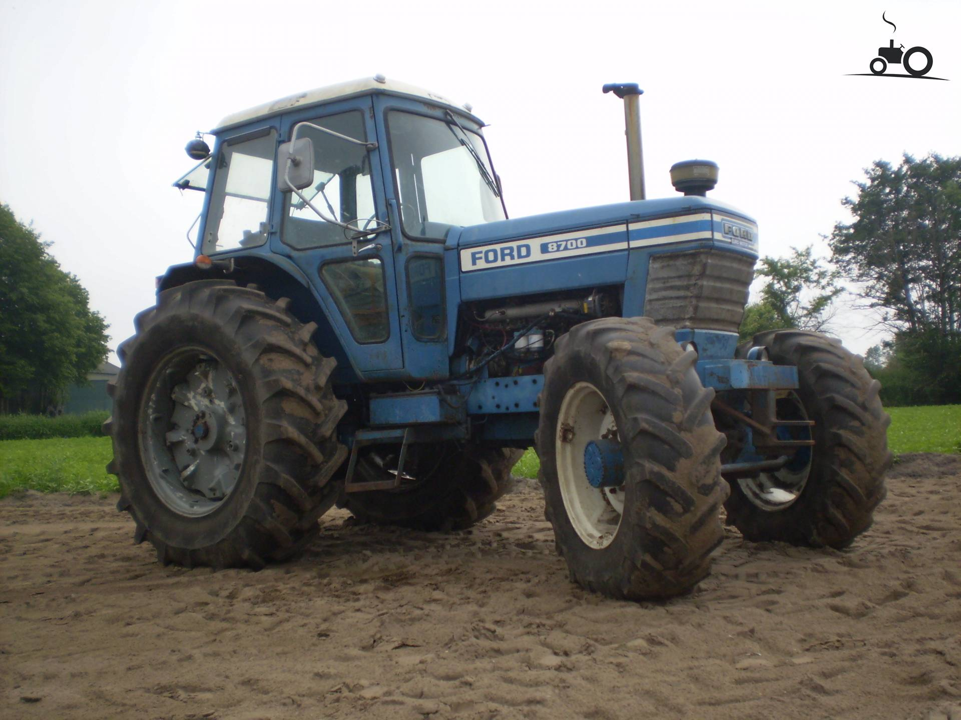 Ford 8700 Tractor : Picture ford
