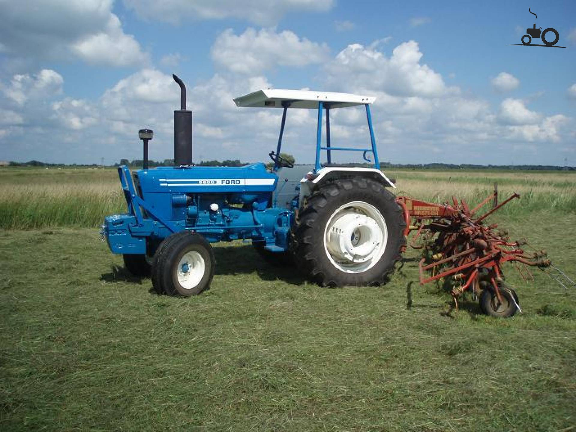 Ford 5600 Tractor : Ford tractor pictures to pin on pinterest daddy
