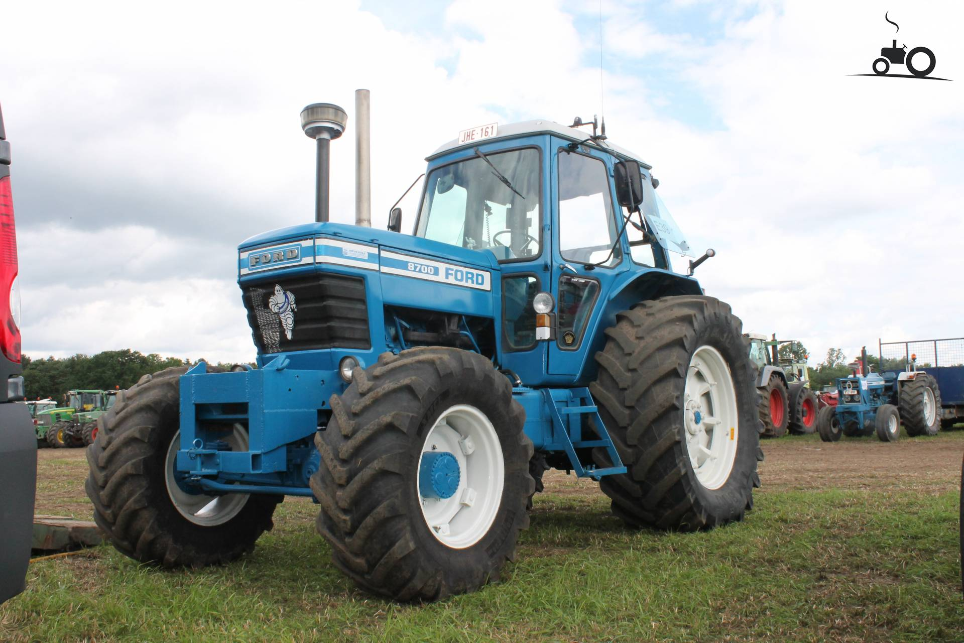 Ford 8700 Tractor : Ford industrial