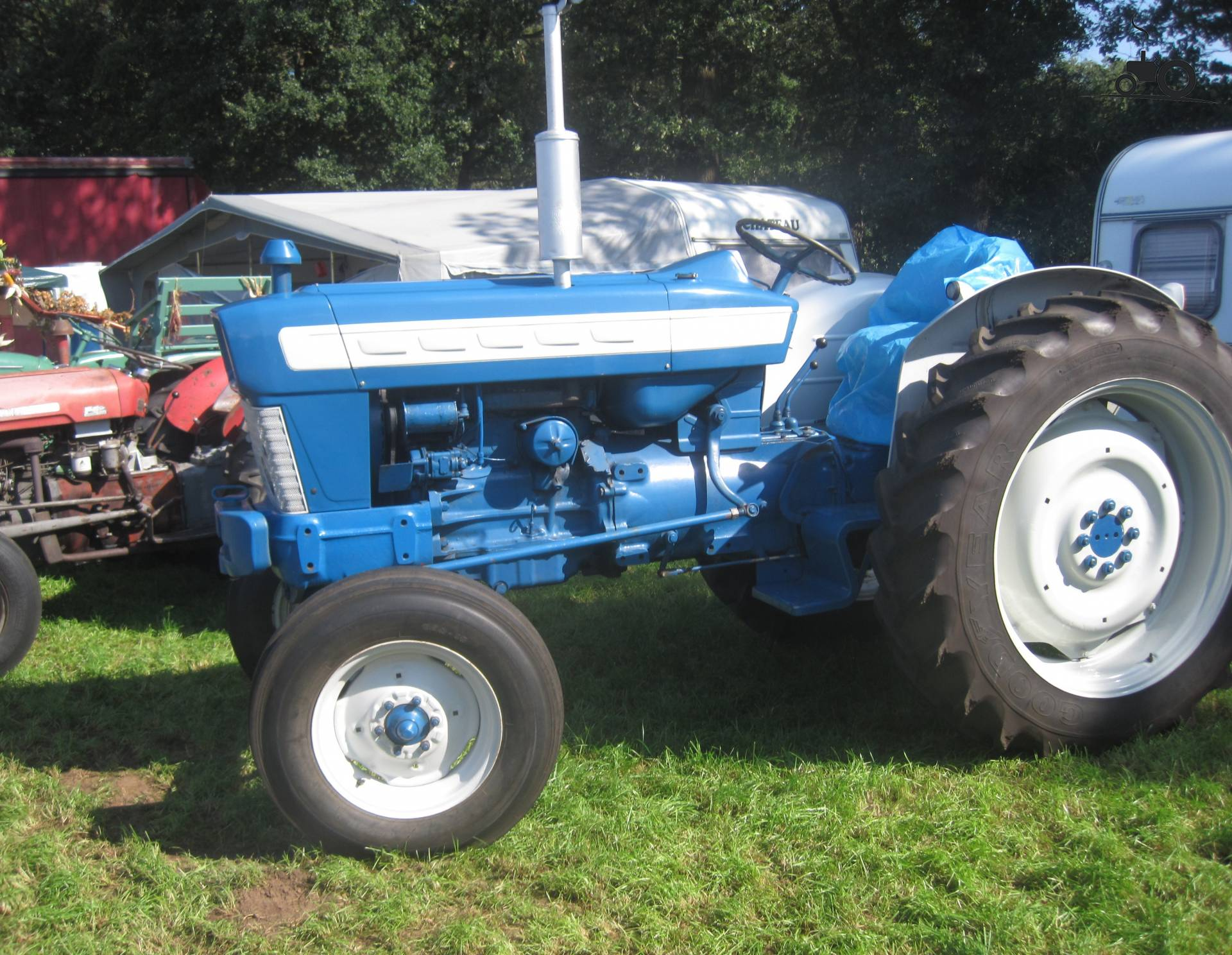 Ford 5000 Tractor Parts Catalog : N tractor parts autos we