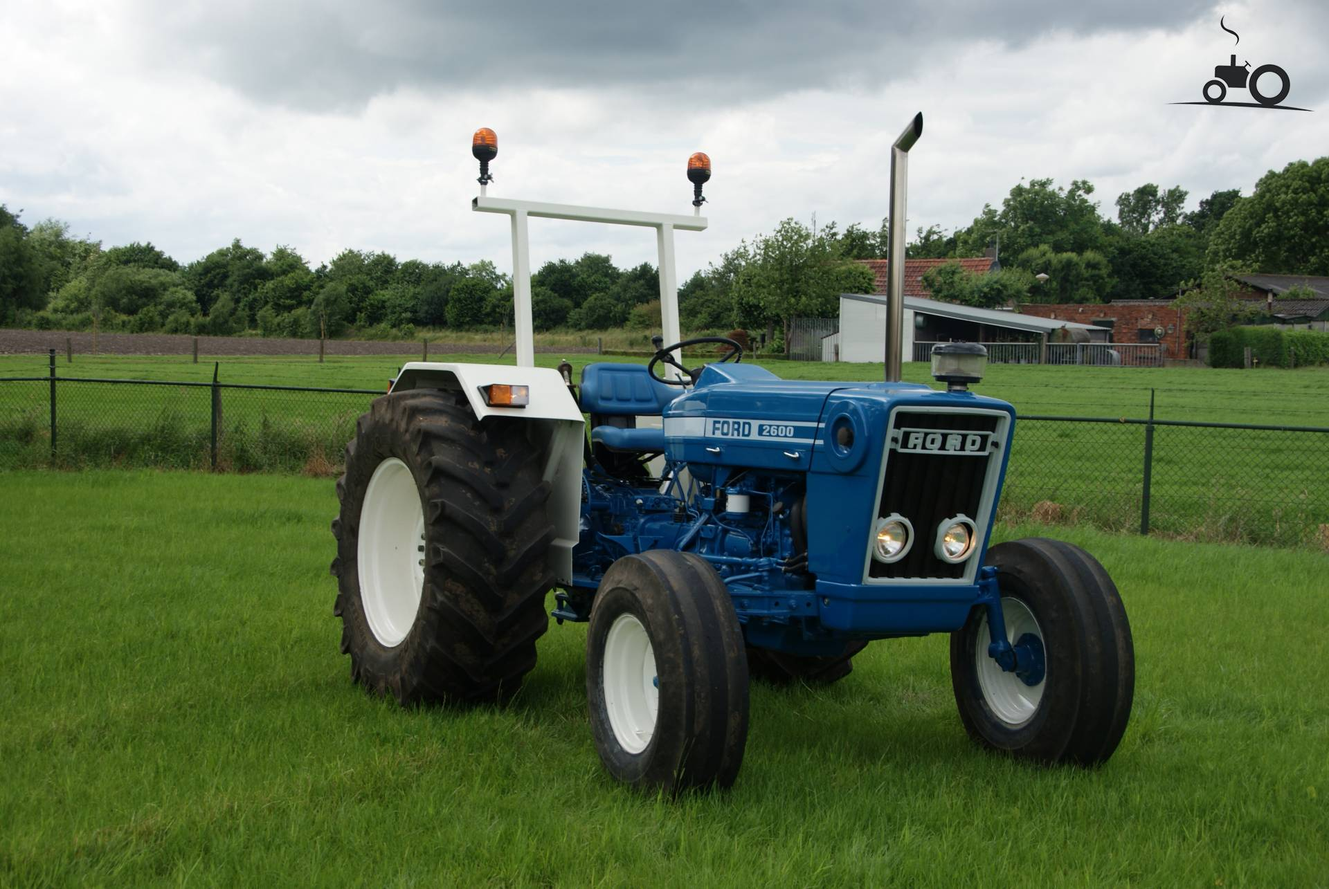 2600 Ford Tractor Specifications : Ford specs and data everything about the