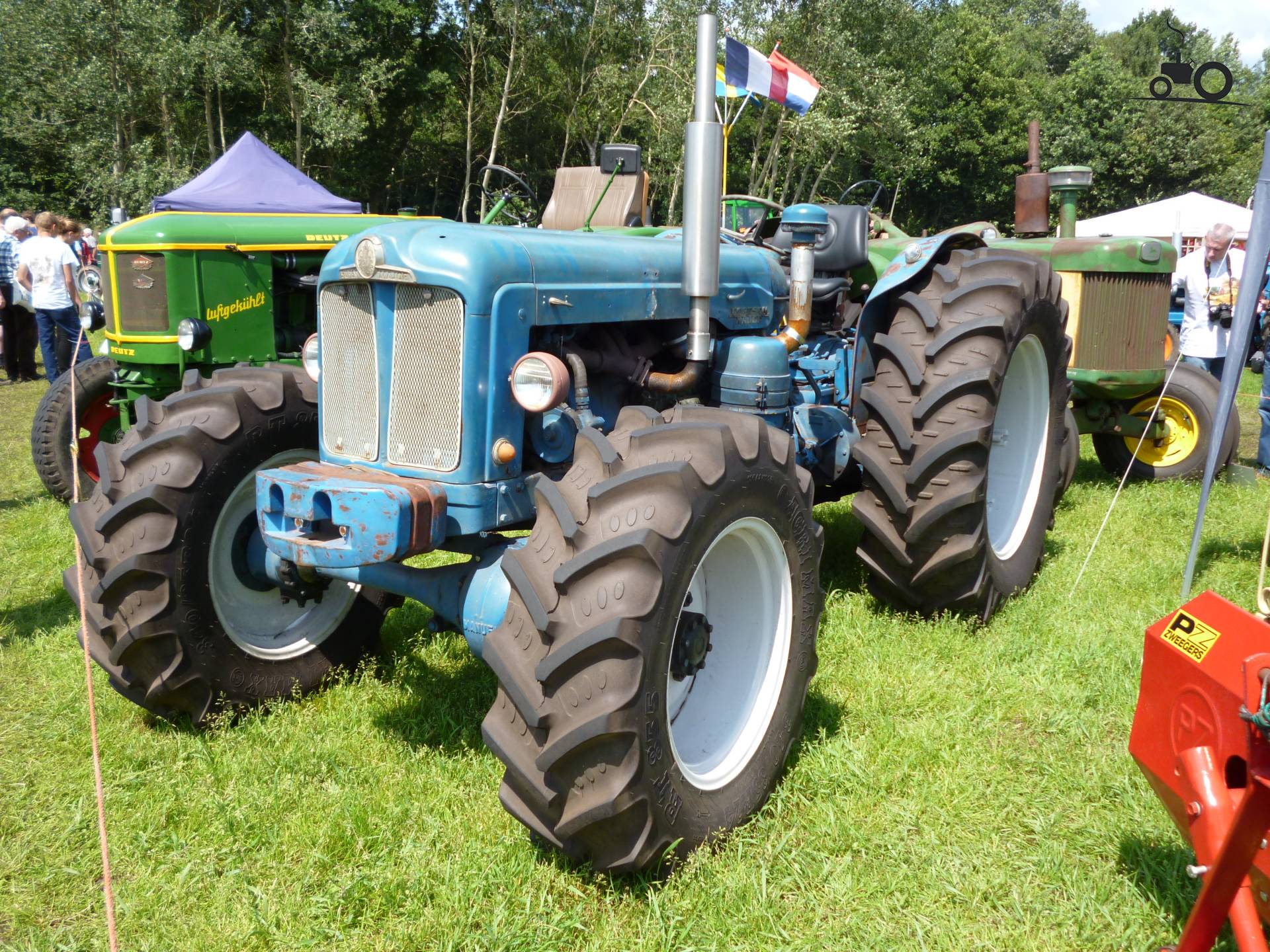 fordson major backhoe with 667417 on Viewtopic besides 261234028744 moreover 405042560210477769 together with Vintage Tractors besides Fordson Major Super Major Tractors Parts List Manual 1952 1964 Multilingual Cd 508714237.