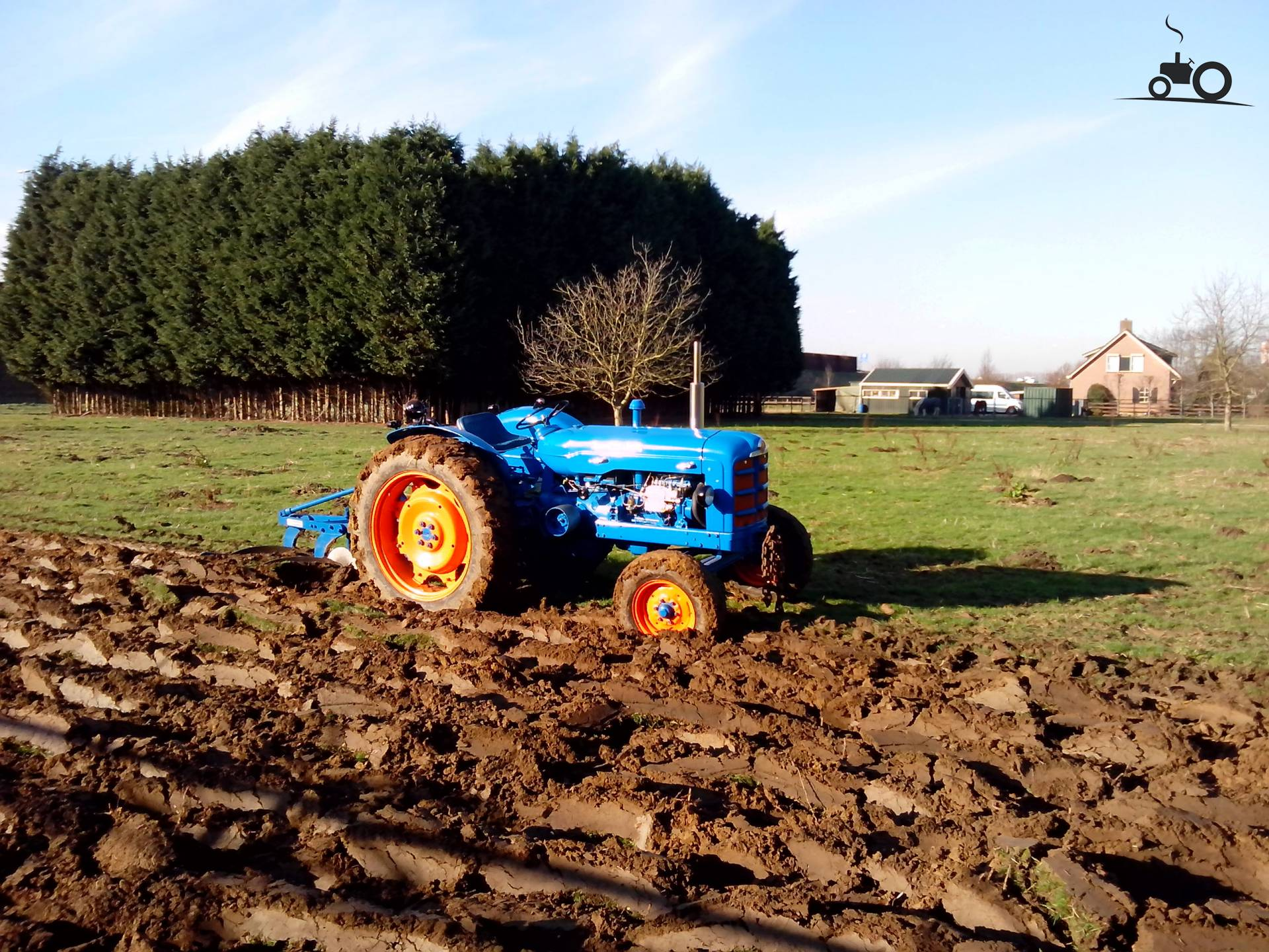 fordson dexta with 721338 on Farg 1l Fordson Gran additionally T1765 Diferencias Entre Ebro 160d Y 160e further File Fordson Dexta p2 besides 1962 1970 in addition 932838.
