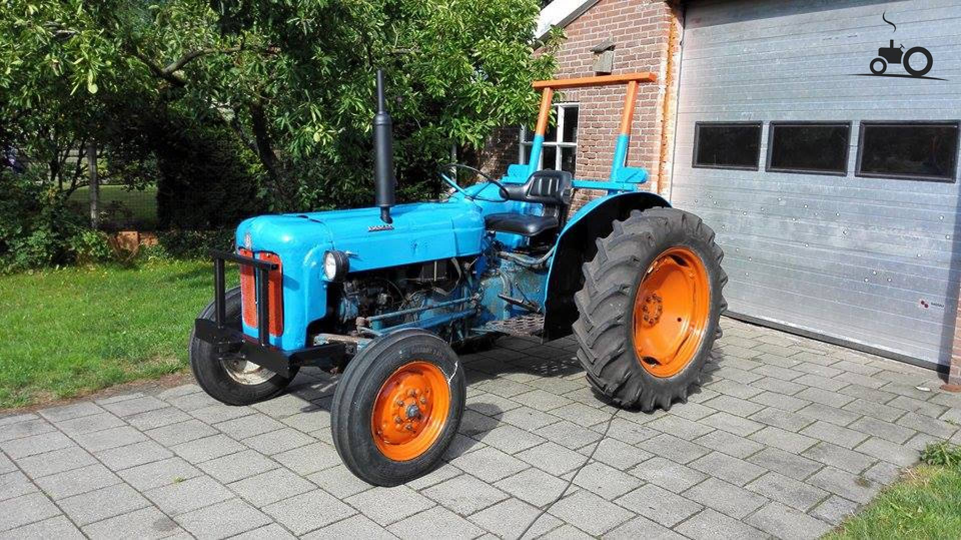 fordson dexta with 930670 on Farg 1l Fordson Gran additionally T1765 Diferencias Entre Ebro 160d Y 160e further File Fordson Dexta p2 besides 1962 1970 in addition 932838.