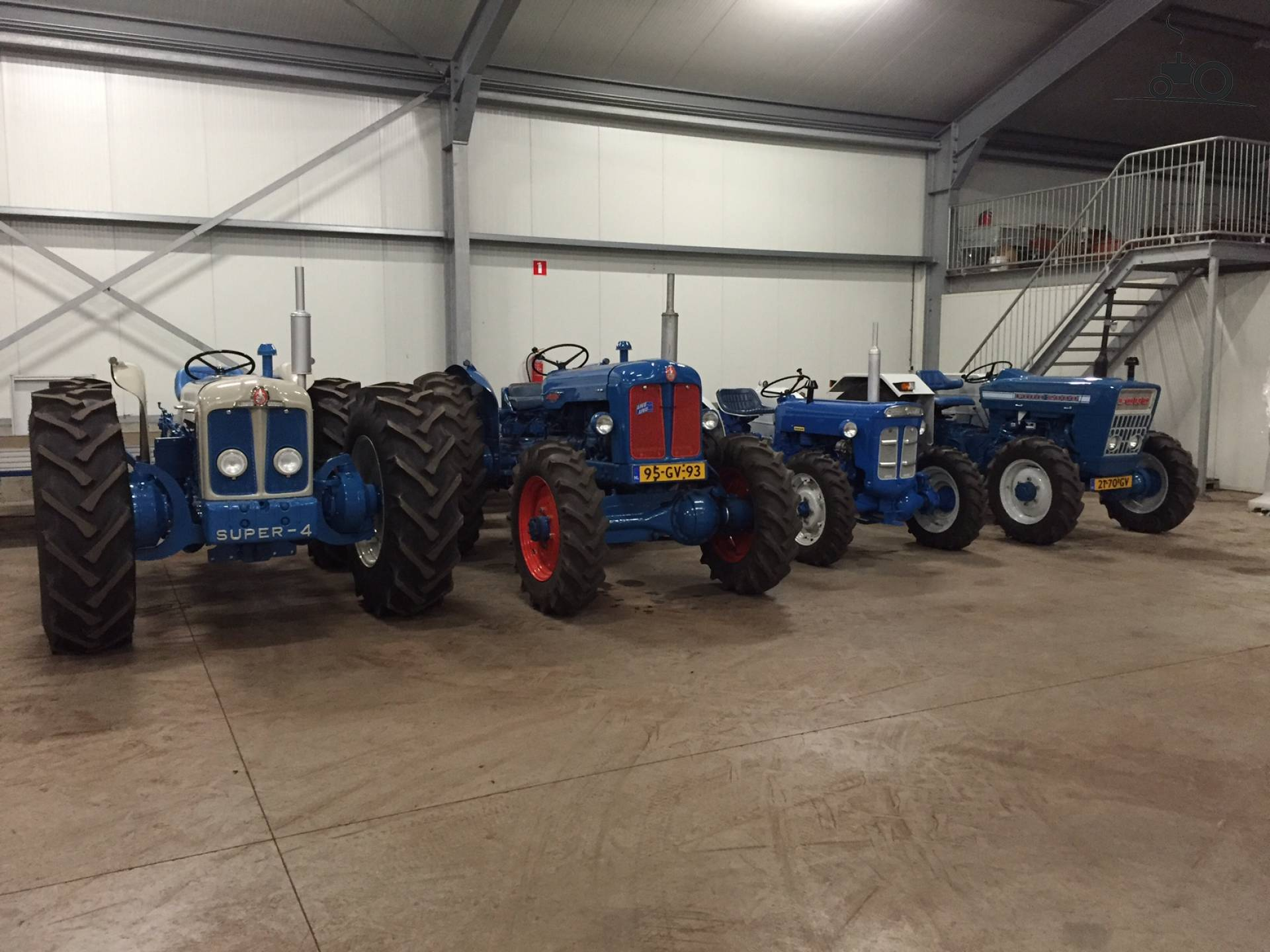 fordson tractor specs with 946111 on Wiring Diagram For Fordson Dexta Tractor as well N7 likewise 2000 1973 Agricultural vehicle Tractor moreover Ford 8n For Sale furthermore 946111.