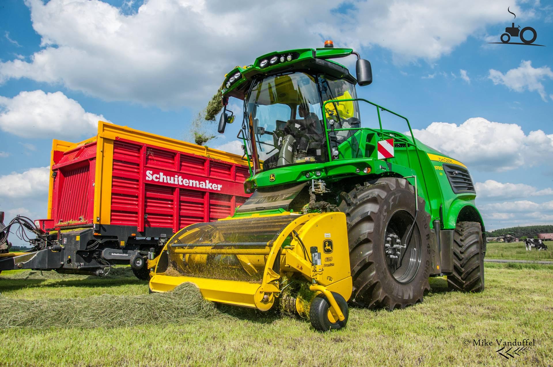 John Deere 6620 tractor | Clarke Machinery