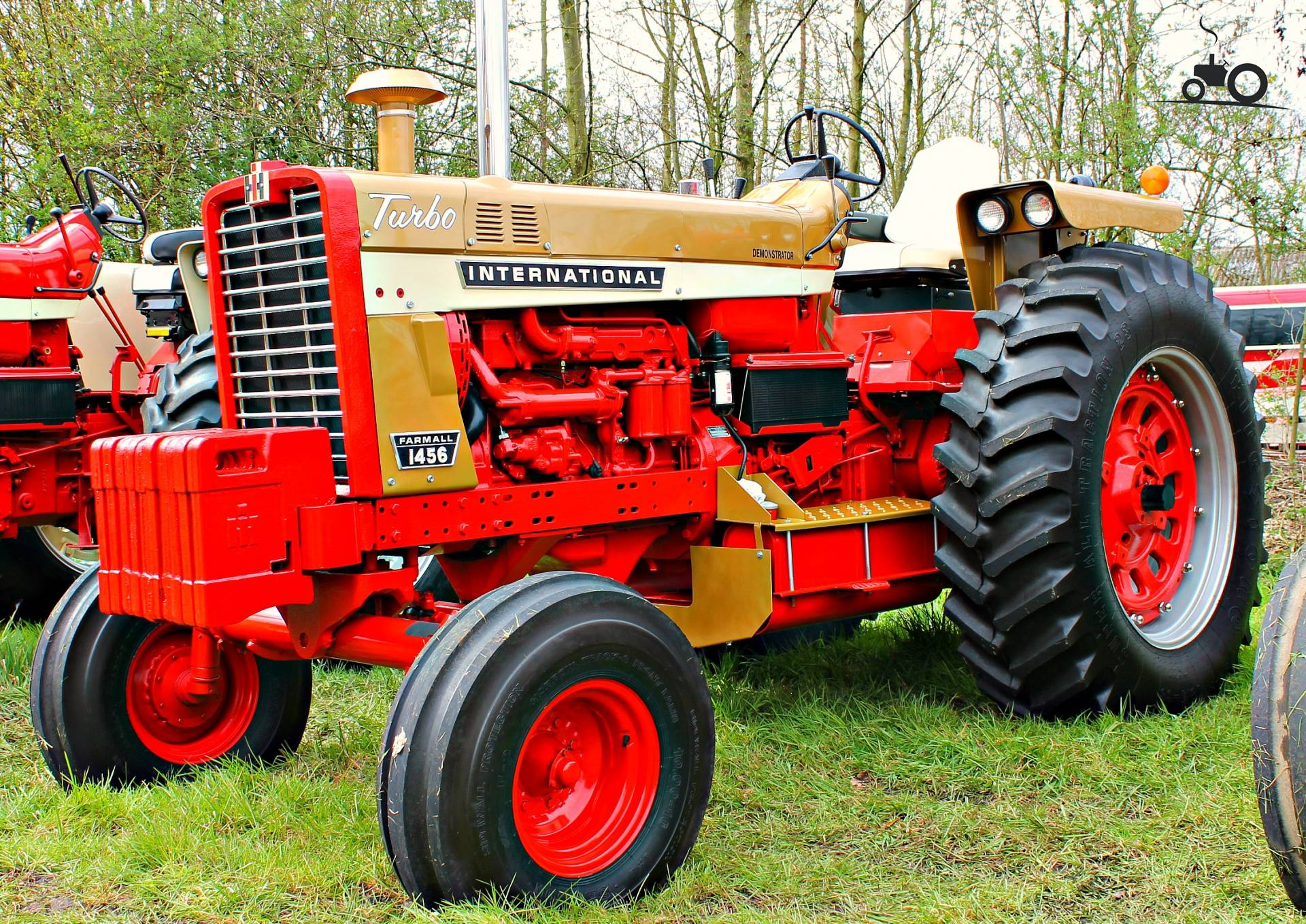 Ih 1456 Tractor : International specs and data everything about the