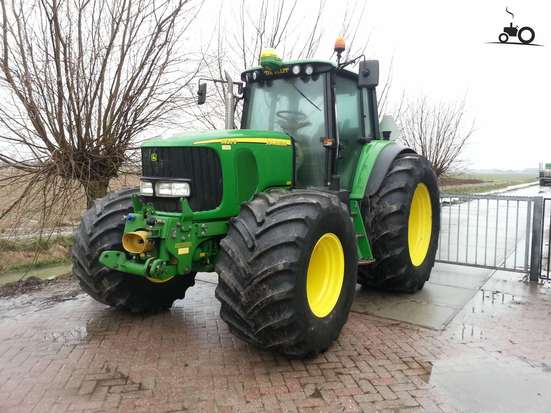 Most Popular John Deere Tractor : Not found