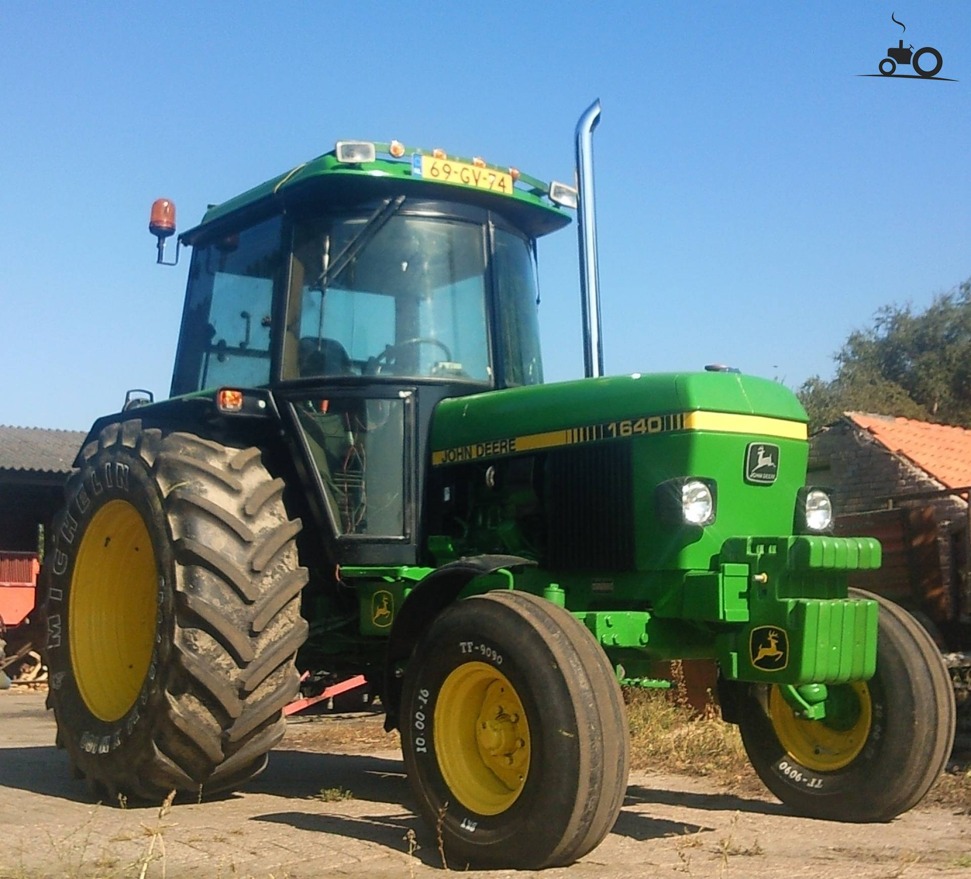 john deere 1640 specs and data everything about the john. Black Bedroom Furniture Sets. Home Design Ideas