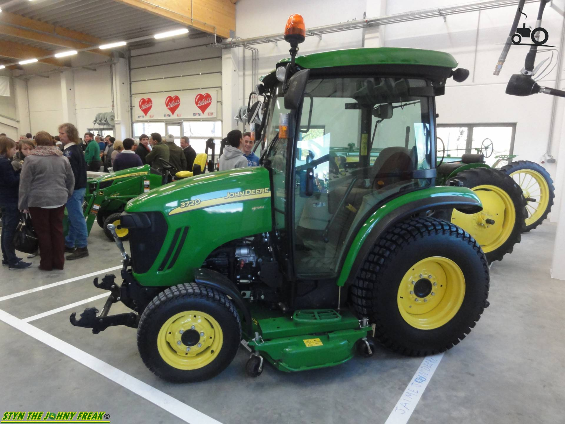 John Deere 3720 Specs : John deere specs and data everything about the